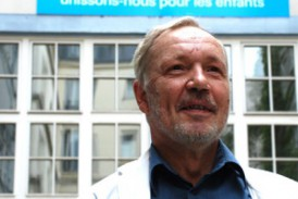 André, testateur :  Aider les enfants à vivre